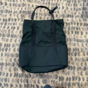 Lululemon throw & go tote